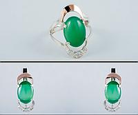 Серебряный комплект: серьги и кольцо с зеленым хризопразом и золотом 34073