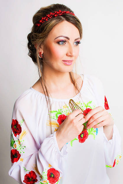 Прекрасная женская  вышитая рубашка, фото 2