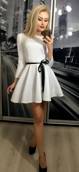 Короткое платье с рукавом 3/4 и атласной лентой ft-203 белое 44-46