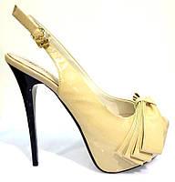 Босоножки женские Baroco бежевые лаковые из натуральной кожи на каблуке,женские босоножки