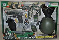 Набор военного (каска, маска, автомат-трещотка, на бат-ке) в кор-ке, 58,5-40-15 см, арт. 33560 HN