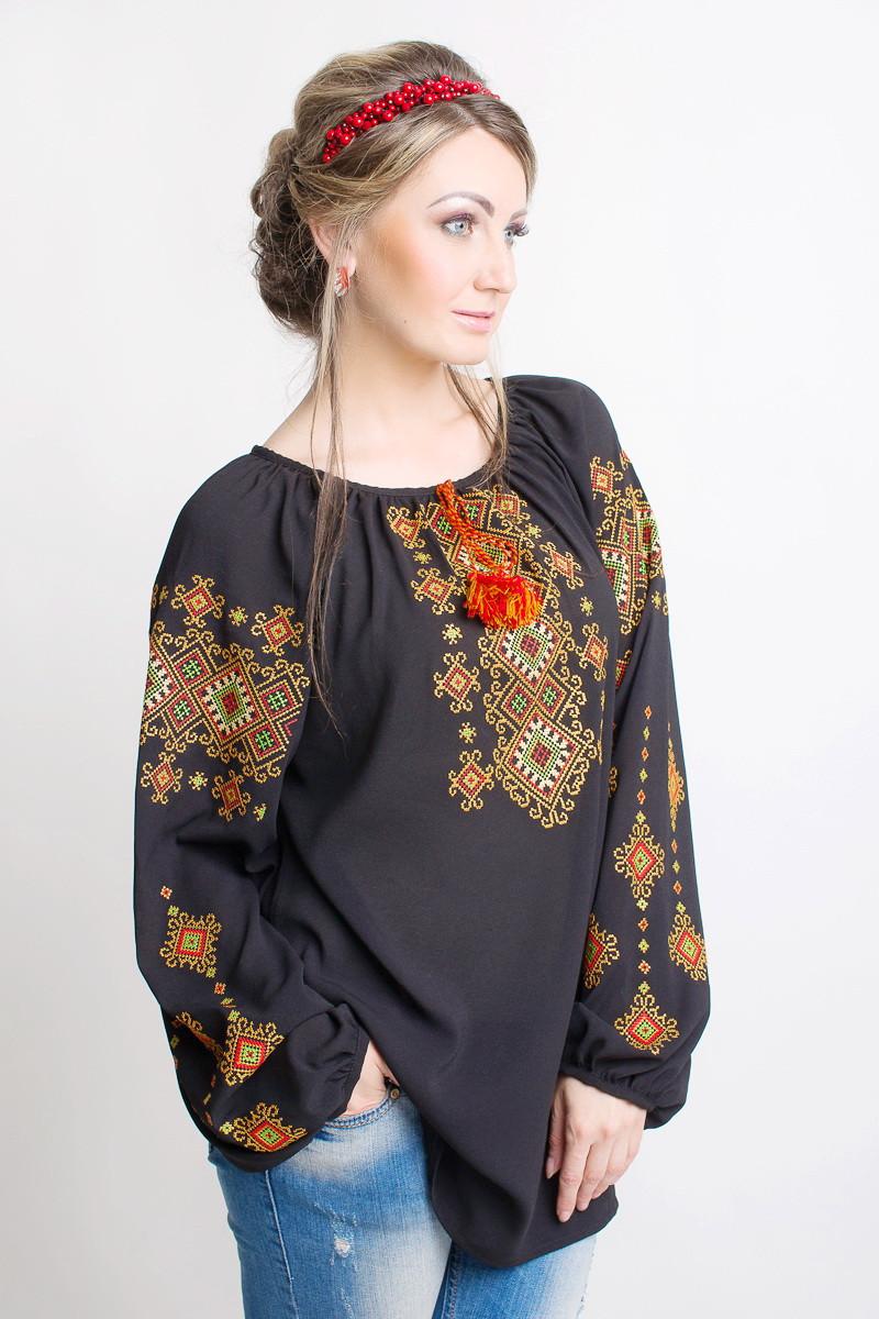 Нарядная женская рубашка с вышивкой