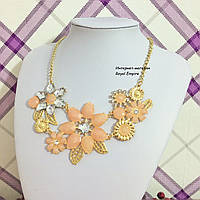 """Ожерелье """"Флора"""" нарядное с кристаллами. 50.0, Пластик, Эмаль, Женский, персиковый (белый цветок слева)"""