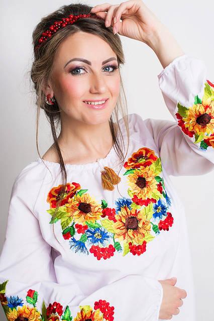 Стильная женская вышитая блуза с полевыми цветами, фото 2