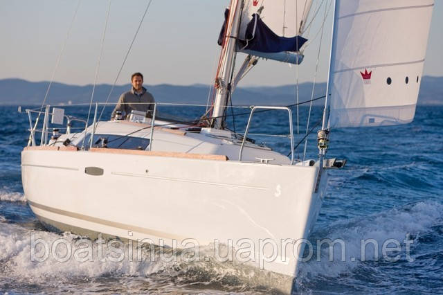 Парусная яхта Oceanis 31