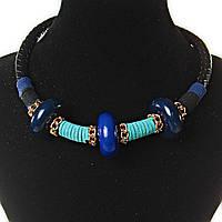 Ожерелье черная плетенка с декором  золотистые цепочки и вставки из ткани: бирюзовый, синий