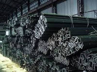 Уголок стальной горячекатаный 75х75х5мм ст.3пс