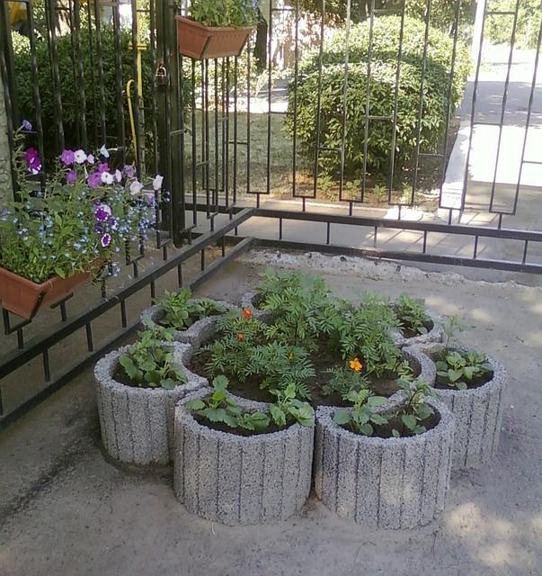 Клумба вазон бетон купить сибирский бетон мыски