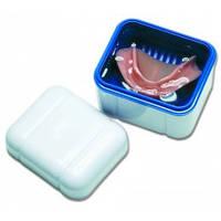 Curaprox BDC 110 Контейнер с решеткой для хранения съемных зубных протезов синий