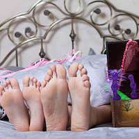 Как ввести анальные игрушки в интимную жизнь пары