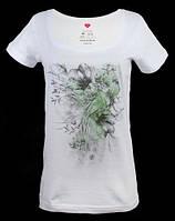 Красивая женская футболка PEACOCK IN FLOWERS