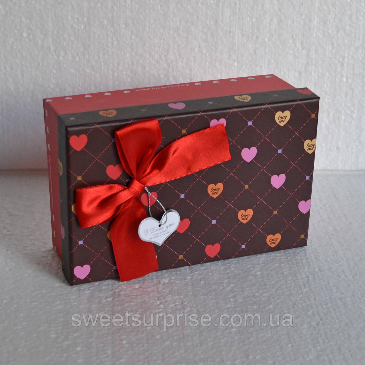 Прямоугольная подарочная коробка