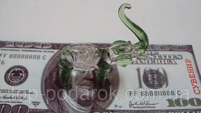 Слон стеклянный размер 6*6