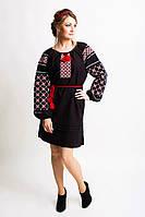 Стильное женское платье с вышивкою