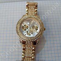 Часы Rolex 114061 женские золотистые с серебристым циферблатом на браслете в стразах