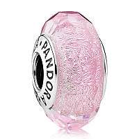 Переливающееся розовое ограненное муранское стекло