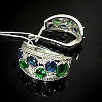 Серебряные серьги с синими, зелеными и прозрачными фианитами