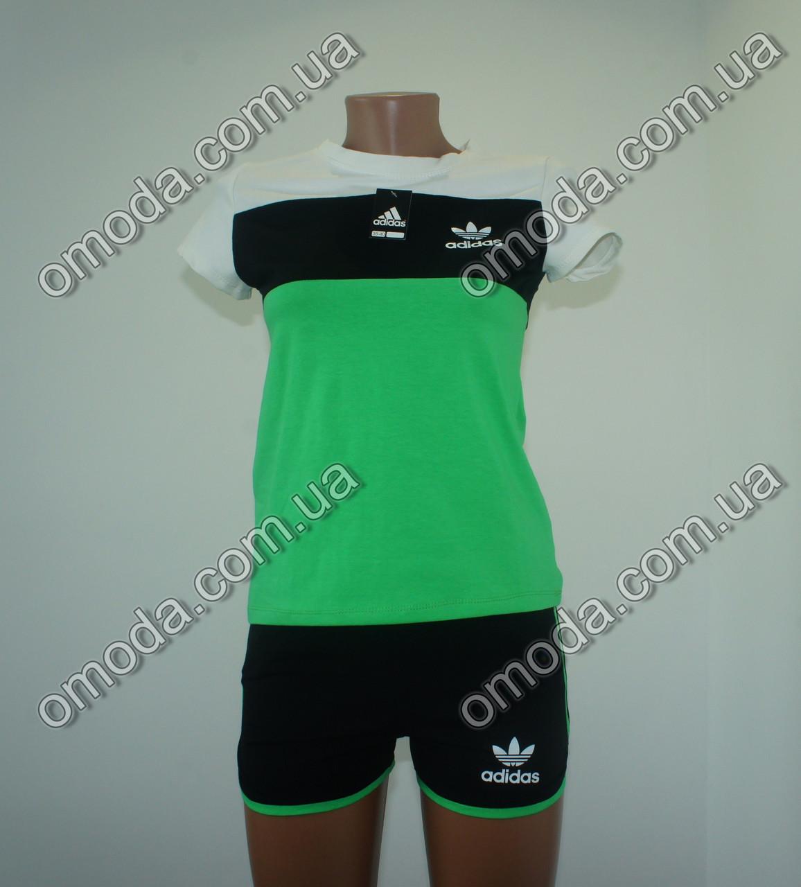 Женский спортивний костюм с шортами зеленого цвета