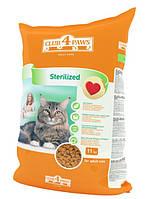 Корм Клуб 4 лапы для кастрированных котов и стерилизованных кошек, 11кг