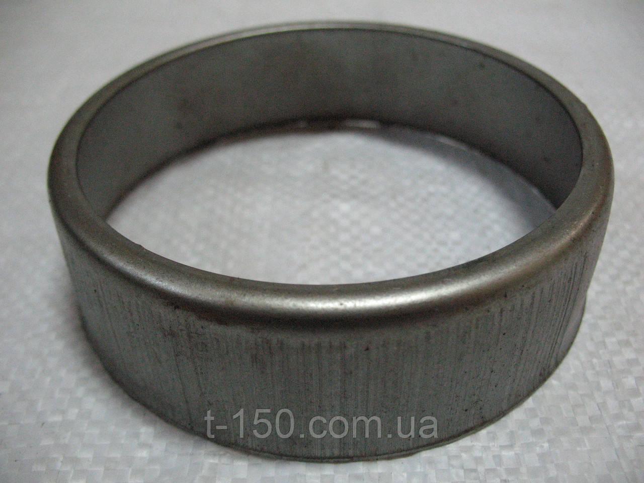 Колпак уплотнения направляющего колеса ДТ-75 (пыльник) (77.32.113)