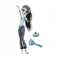 Monster High Фрэнки Штейн Пижамная вечеринка FRANKIE STEIN Dead Tired