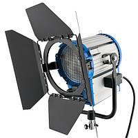 Прожектор непрерывного света 2000 Вт с линзой Френеля FreePower