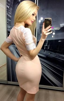 Короткое платье с декоративными кружевными вставками на рукавах ft-266 персиковое, фото 2