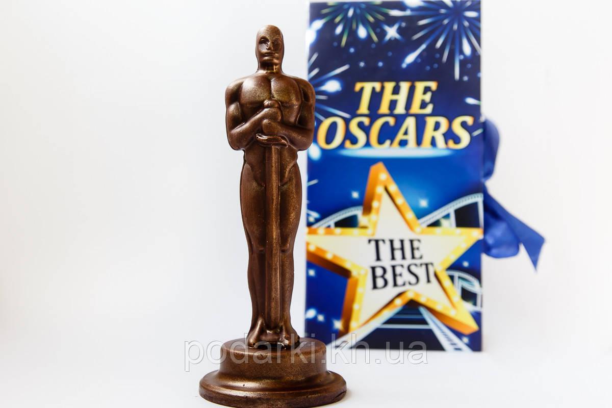 Оскар шоколадный в подарочной коробке - книге в подарок маме.
