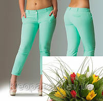 Стильные укороченные брюки под тунику