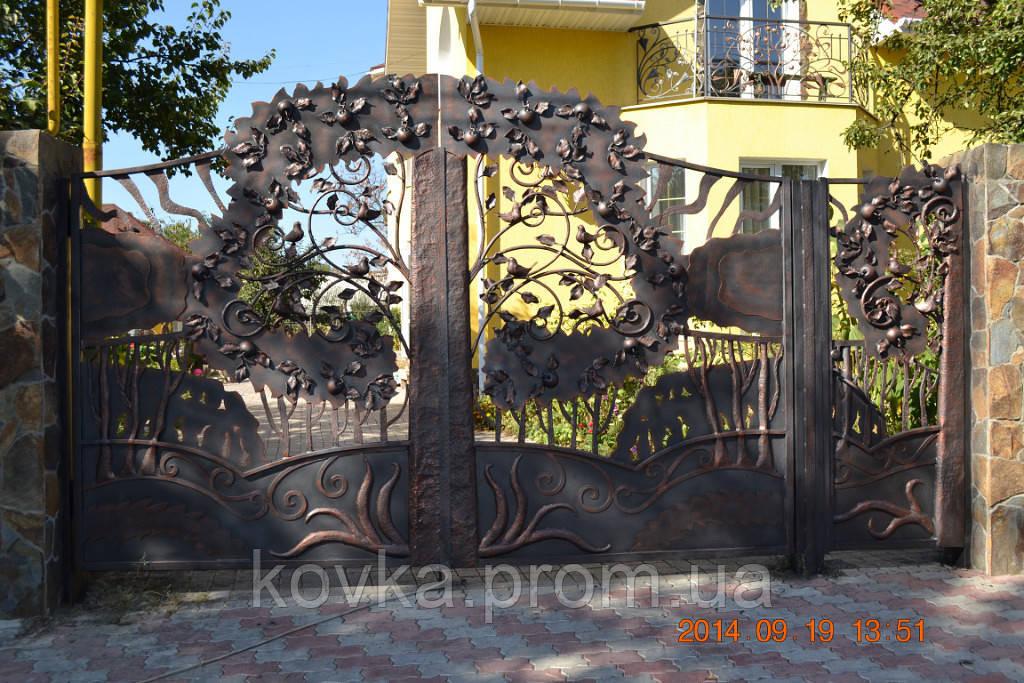Эксклюзивные кованые ворота с калиткой, код: 01079