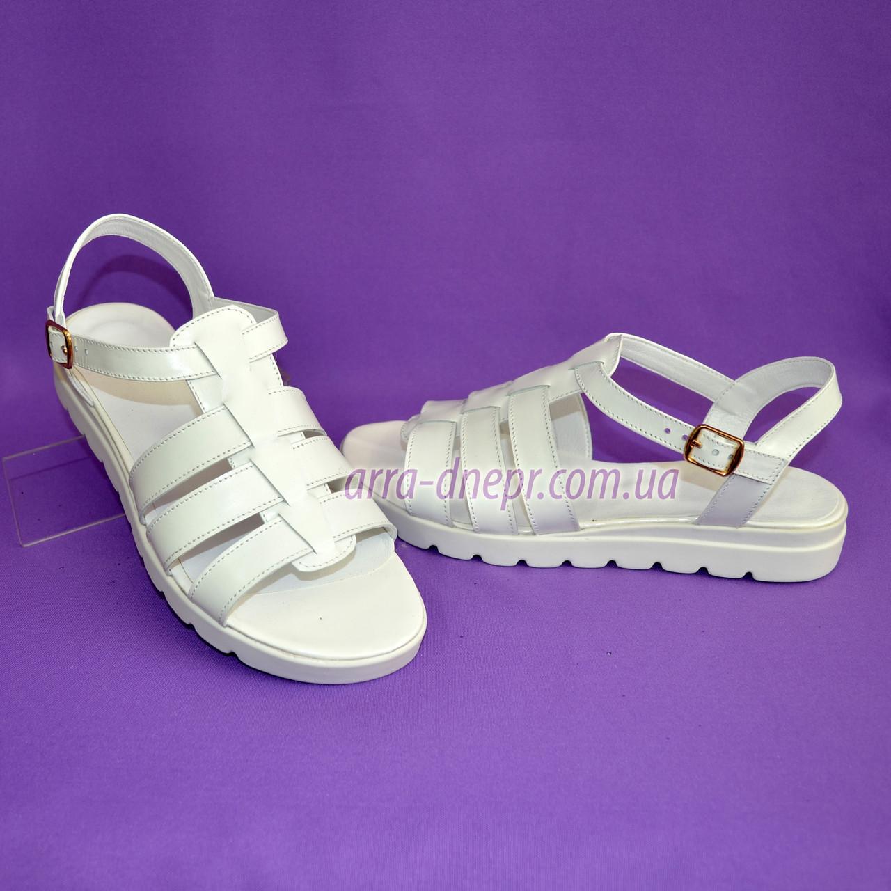 Босоножки кожаные на утолщенной белой подошве. Хит продаж.