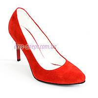Красные замшевые классические туфли на шпильке