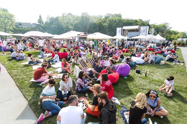 Фестиваль вина на вертолетной площадке  в 2016г.