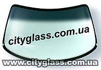 Лобовое стекло на Мицубиси Паджеро
