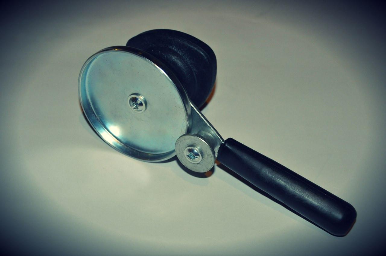 Закаточный ключ с роликом