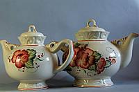 Набор Карачун с красными цветками (2 чайника)