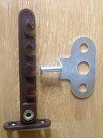 Коричневый ограничитель открывания дверной створки (под ручку)