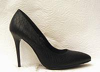 Туфли стильные на шпильке черные рептилия