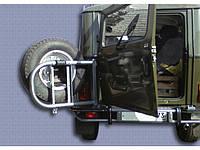 Бампер задний УАЗ 469 Браконьер с калиткой под запаску