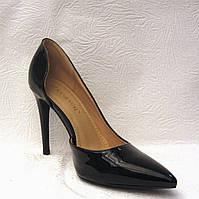 Туфли лодочки лаковые черные на шпильке