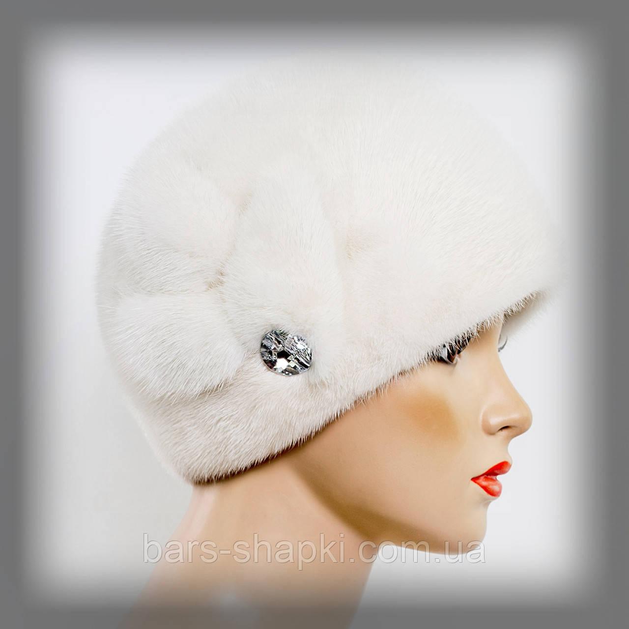 Женская меховая шапка из белой норки
