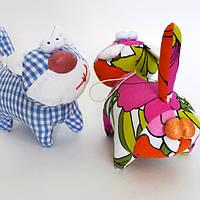 Игрушка кот с яйцами