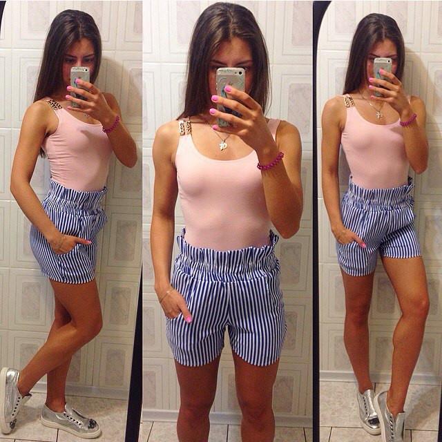 Майка с украшением + полосатые шорты