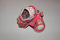 Босоножки(пищалки) на девочку  21,23,24 р розово-белые бабочка.
