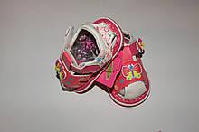 Босоножки(пищалки) на девочку  23,24 р розово-белые бабочка.