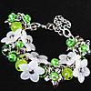 Браслет на цепочке с зелеными бусинами  чешским стеклом и цветами