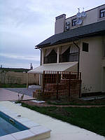 Навес на опорах для терассы, фото 1