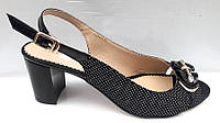 Босоножки женские черного цвета в горошек на низком каблуке натуральная кожа Uk0281