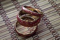 Три красных браслета Индия