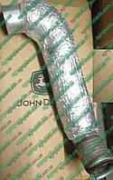 Патрубок RE44784 выпускной системы трактор John Deere труба выхлопная RE 44784 гофра